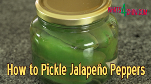 How to Pickle Jalapeño Peppers,Homemade Pickled Jalapeño Peppers,quick pickled jalapeno peppers,easy pickled jalapeno peppers,make pickled peppers at home,bottled jalapeno peppers,pickling jalapeno peppers at home,how to bottle peppers,how to pickle peppers,making pickled jalapenos at home,pickled jalapenos easy recipe,pickled jalapenos video recipe,pickled jalapenos youtube